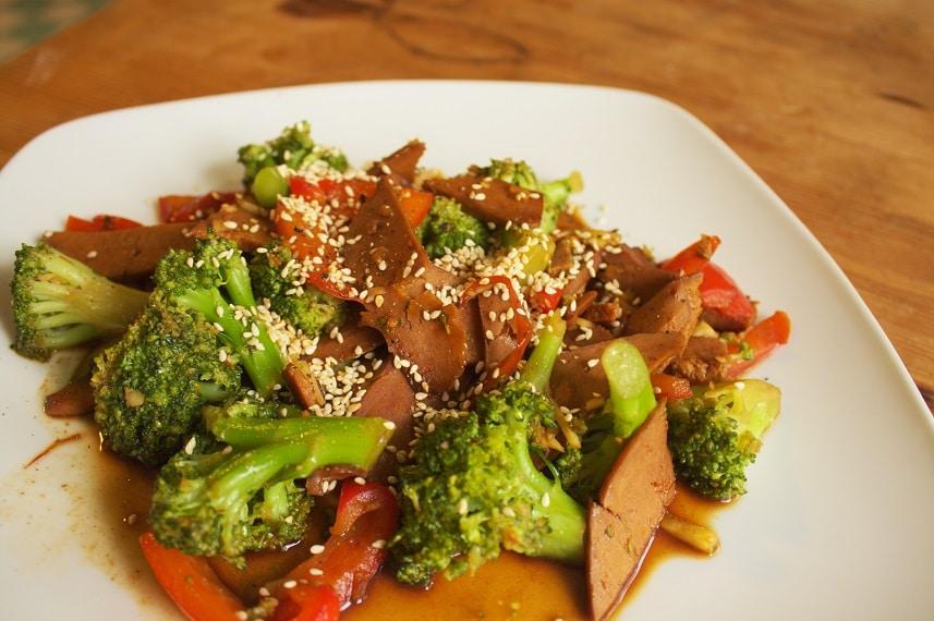 Seitan mit Brokkoli