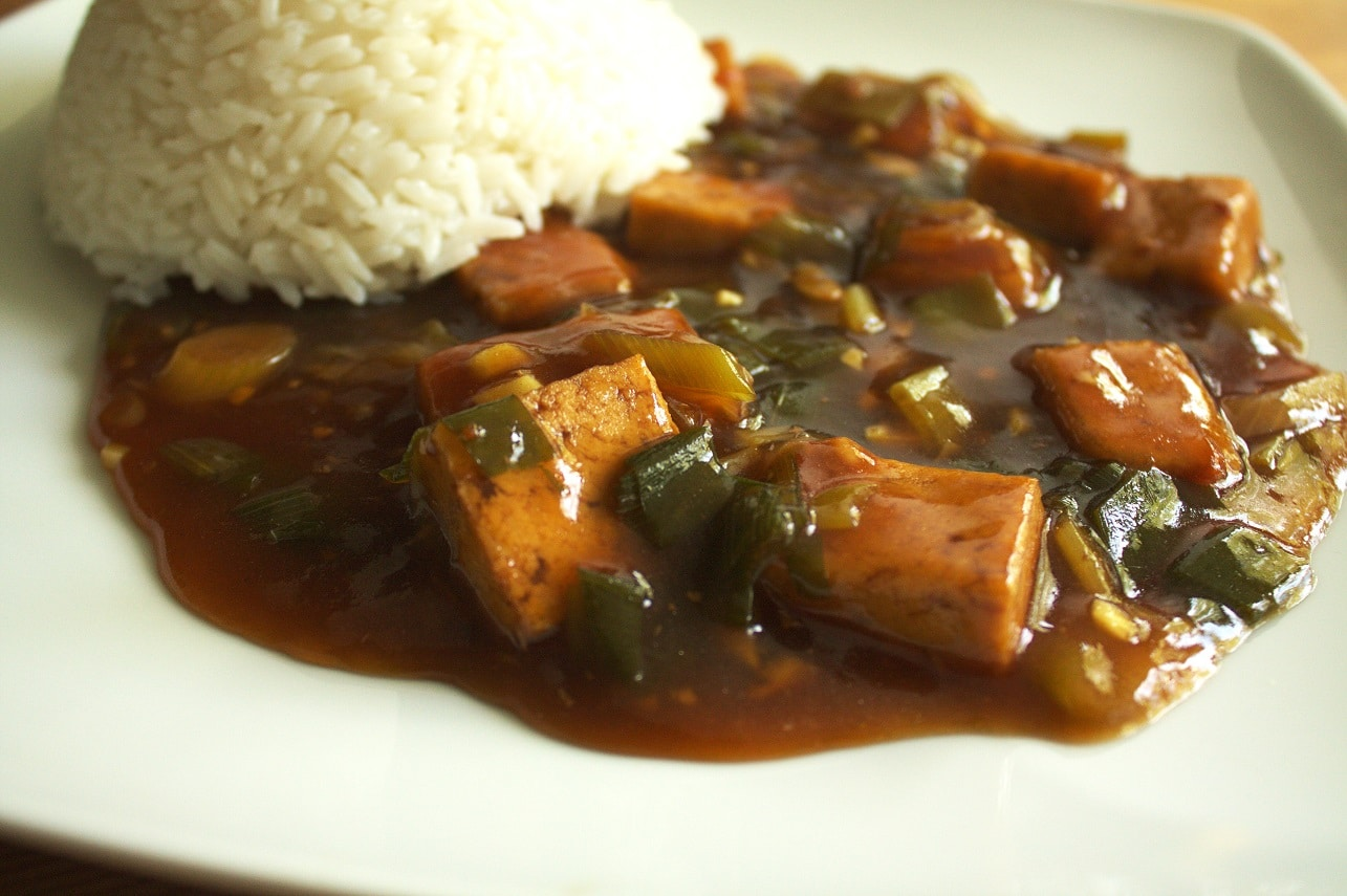 Tofu in Colasoße