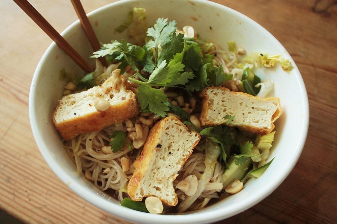 Vietnamesische Rice Noodle Bowl