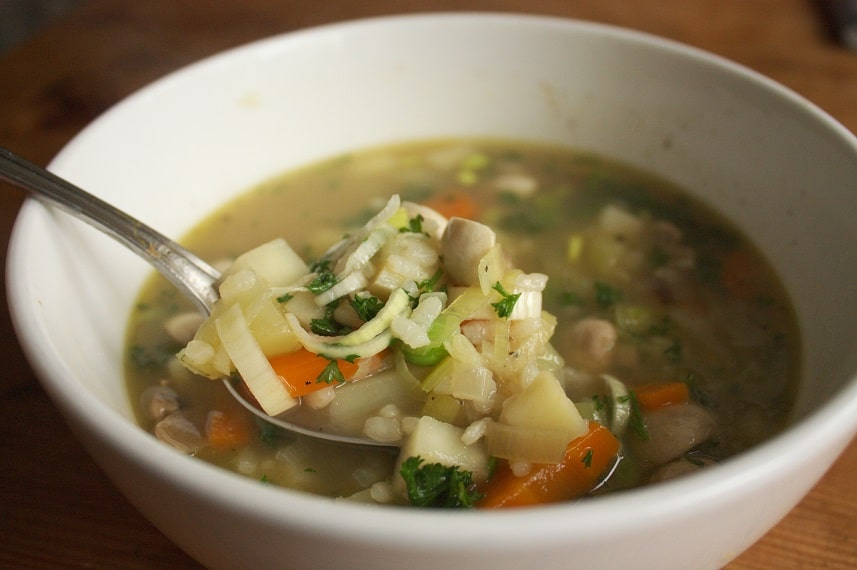 Gemüsesuppe mit Einlage