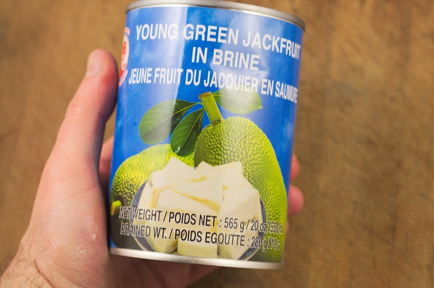 unreife jackfruit in der dose