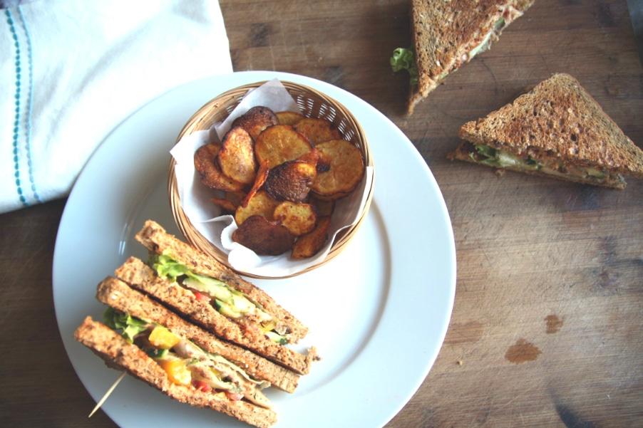 veganes club sandwich mit kartoffelchips