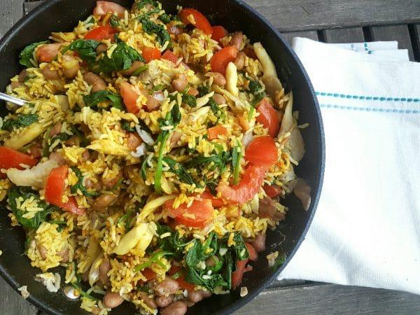 Reispfanne mit Bohnen und Spinat