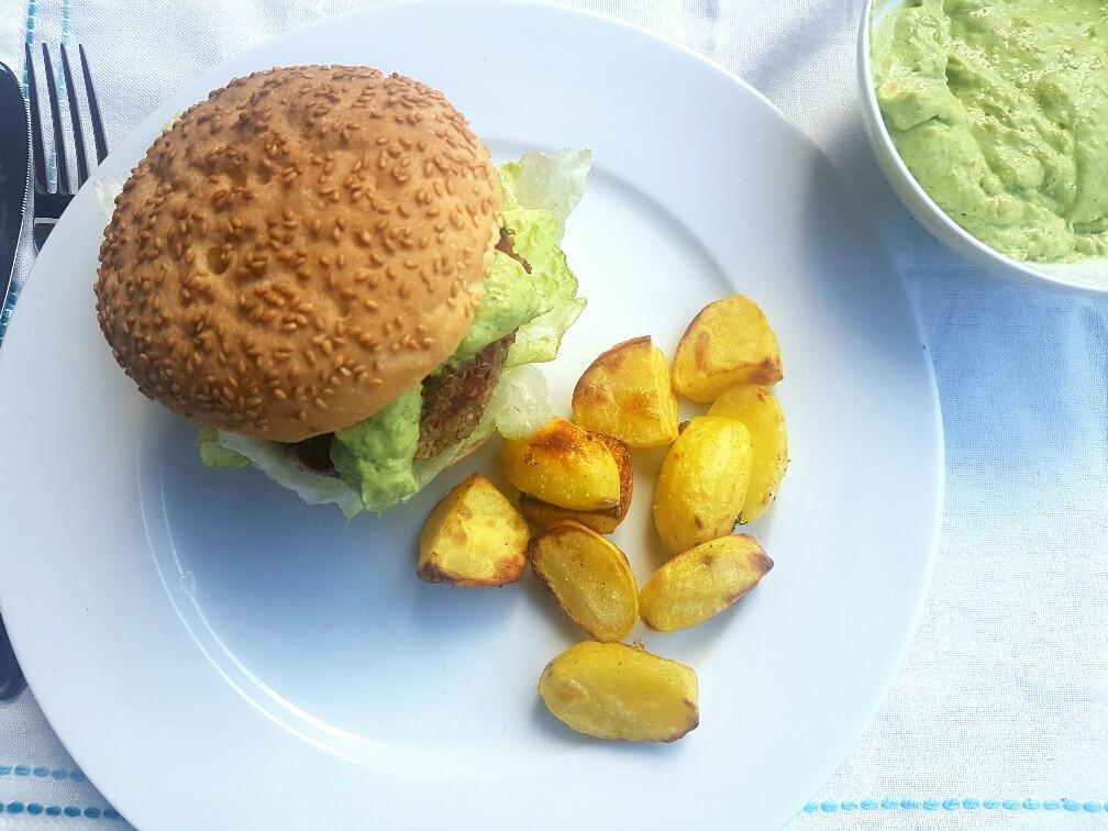 veganer Quinoa Burger