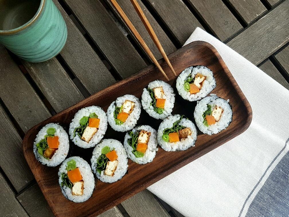 futo maki sushi mit tofu