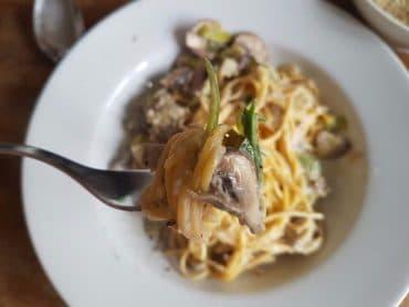 pasta mit lauch und pilzen vegan