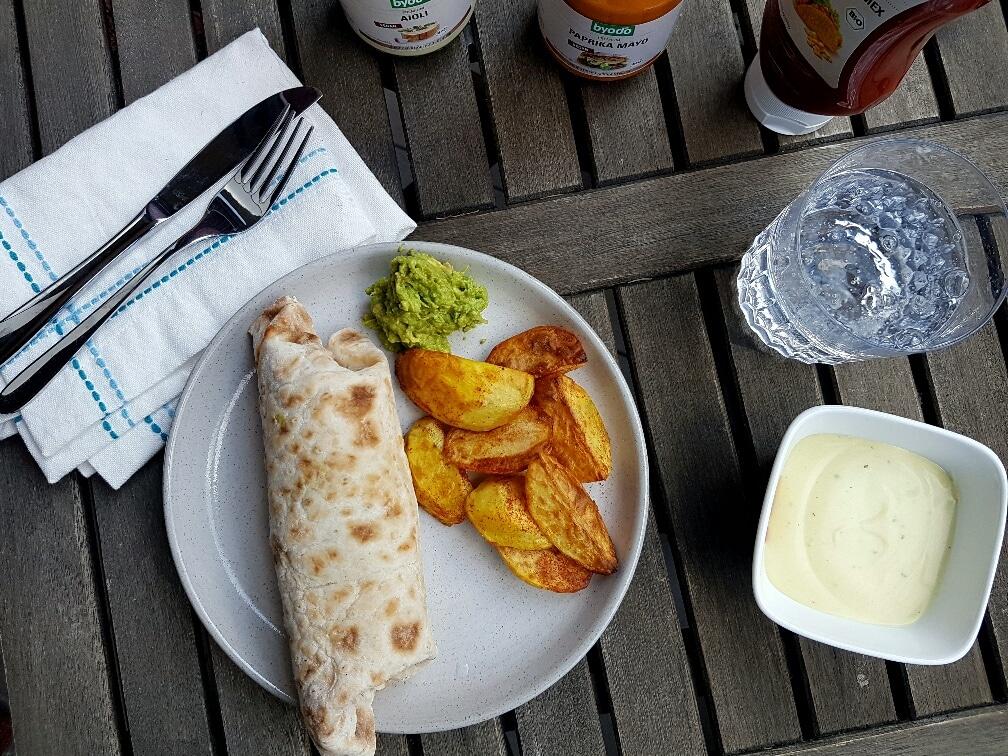 veganer-Burrito-mit-Limettenreis-byodo