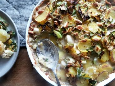 veganer kartoffel-lauch-auflauf