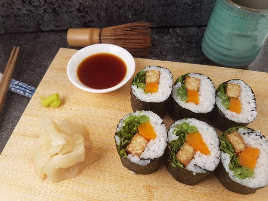 Tempeh Sushi mit Rucola vegan & glutenfrei