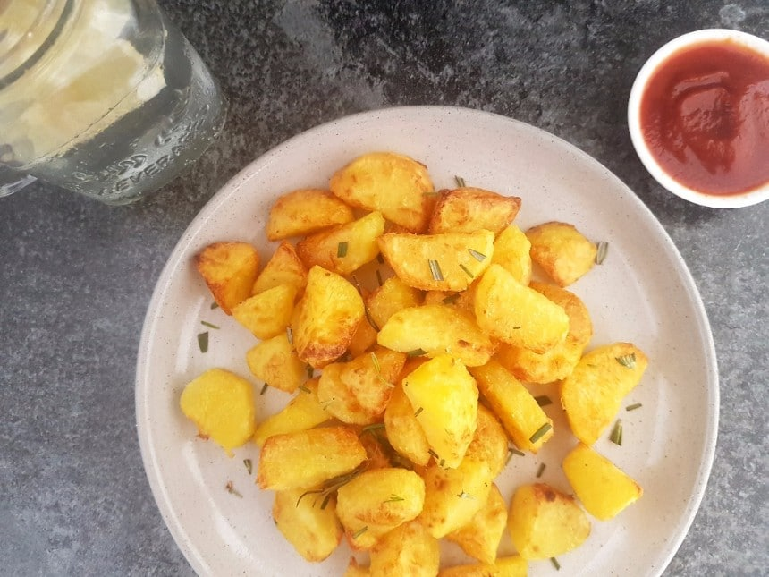 Knusprige Kartoffelecken aus gekochten Kartoffeln veagn & glutenfrei
