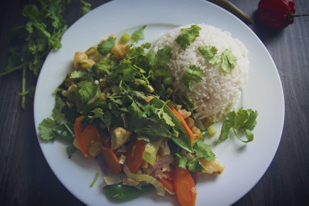 Buntes Wokgemüse vegan