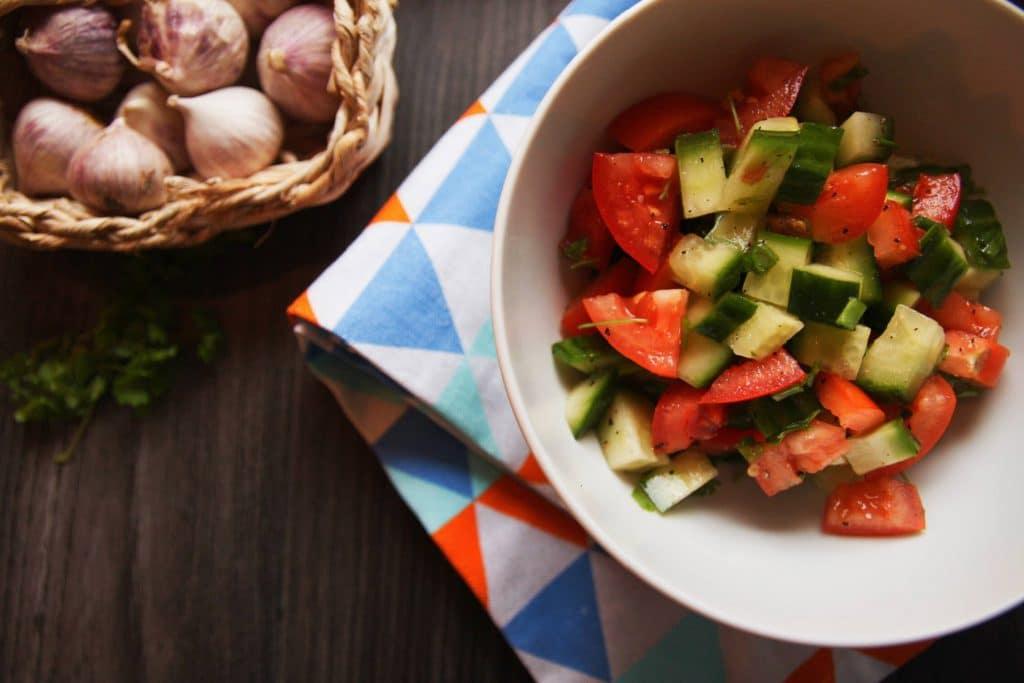 tomaten-gurken-salat vegan