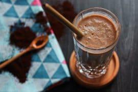 Bananen-Kokos-Smoothie mit Kaffee vegan