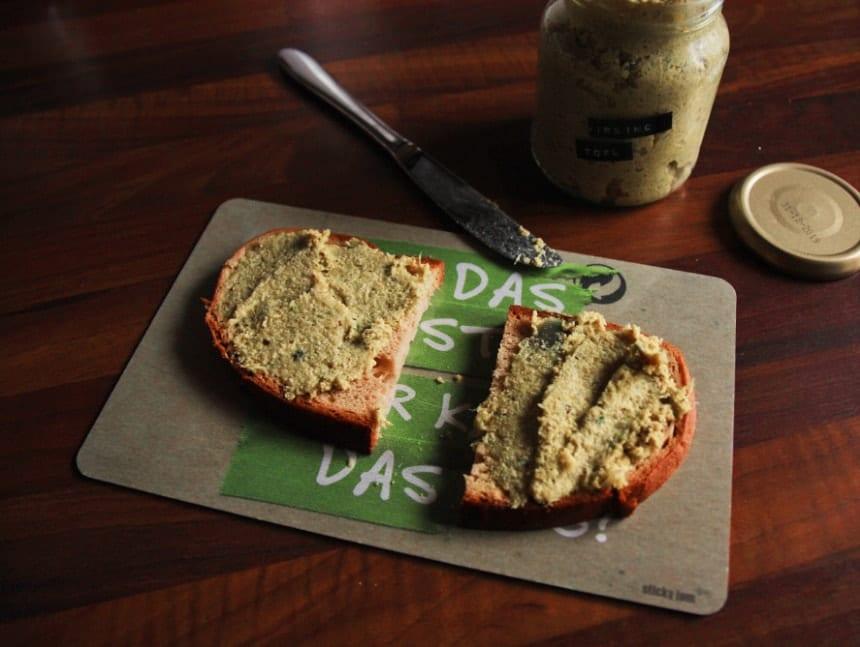 Wirsing-Aufstrich mit Räuchertofu vegan