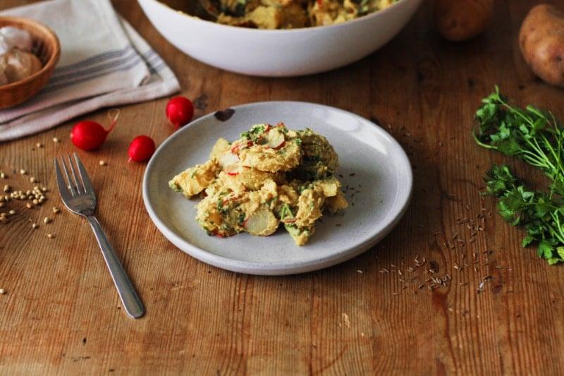 kartoffelsalat mit hummus vegan