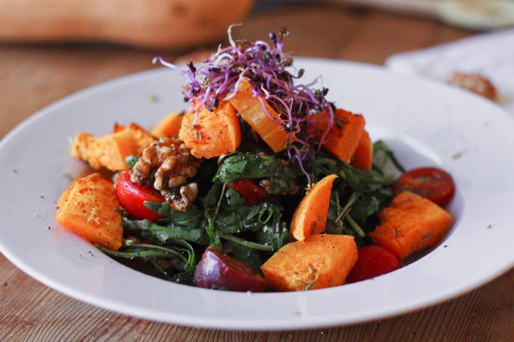 Salat mit Butternusskürbis glutenfrei & vegan